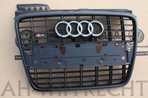 Audi-S4-Grill-schwarz-8